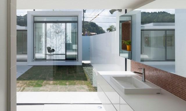 Modern house white tone (10)