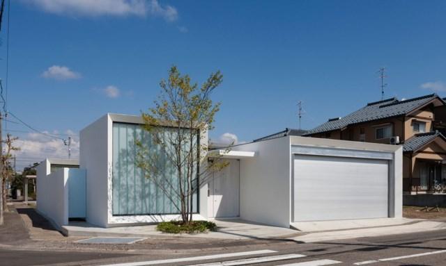 Modern house white tone (3)
