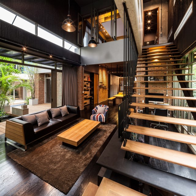 Modern large house Decorated with green space (12)