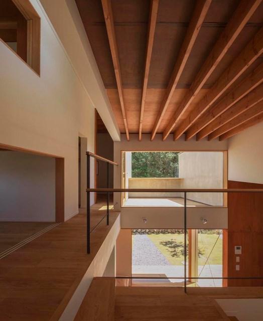 Modern minimal House Shades of gray (8)