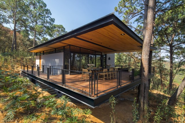 Modern villa of modern materials on the Hill With swimmimg pool (18)