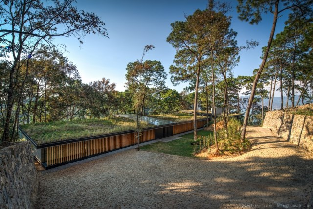 Modern villa of modern materials on the Hill With swimmimg pool (8)
