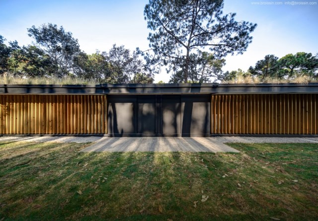 Modern villa of modern materials on the Hill With swimmimg pool (9)