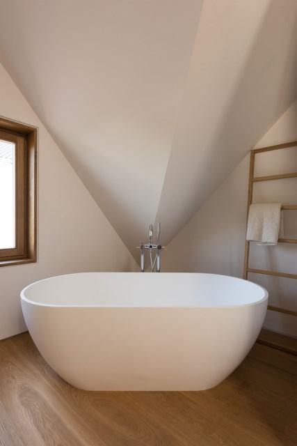 Two-storey house minimalist style (6)
