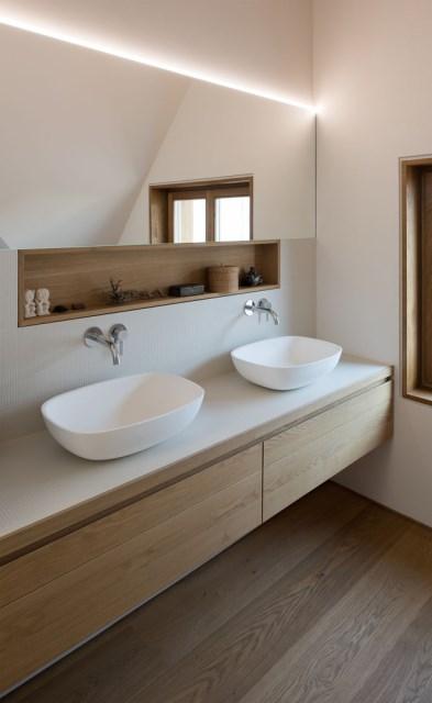 Two-storey house minimalist style (7)