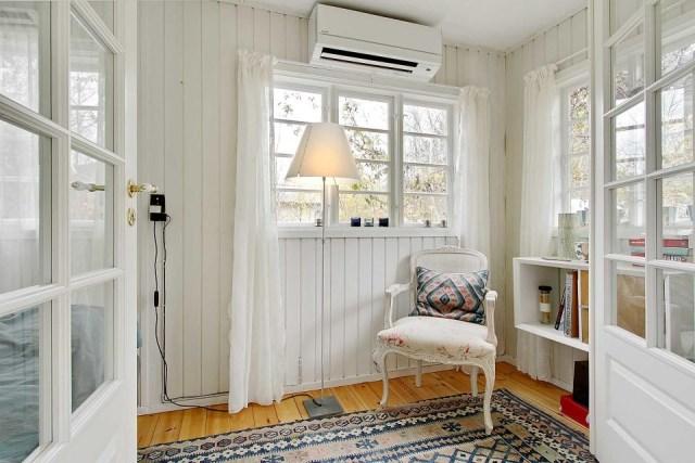 black-white cottage House 1 bedroom (15)