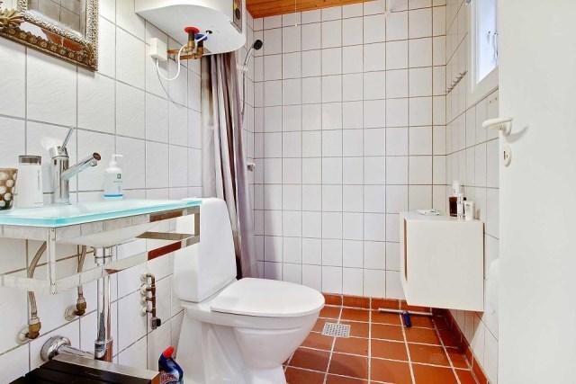 black-white cottage House 1 bedroom (17)