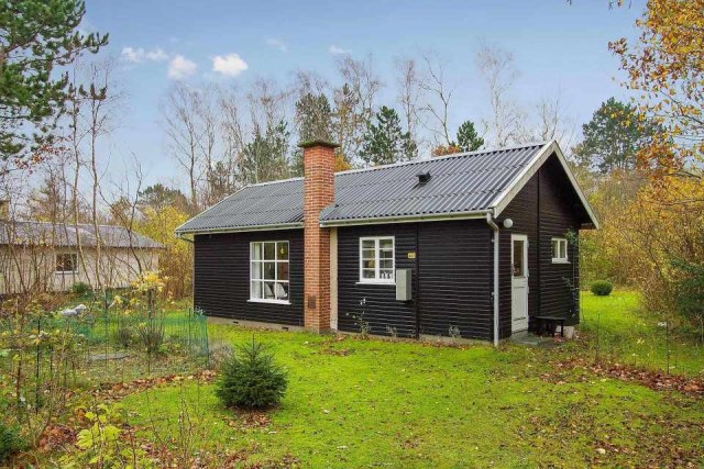 black-white cottage House 1 bedroom (2)