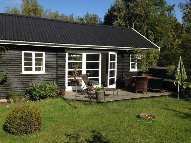 black-white cottage House 1 bedroom (4)