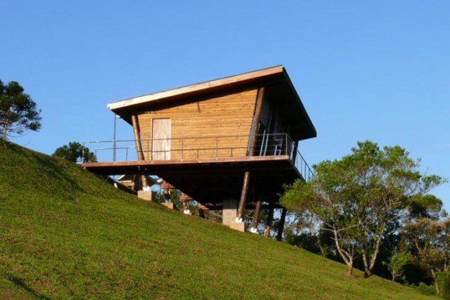 cabin-house-on-stilts (6)