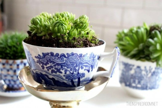 cleaver ideas Old Kitchenware Into Planters (4)