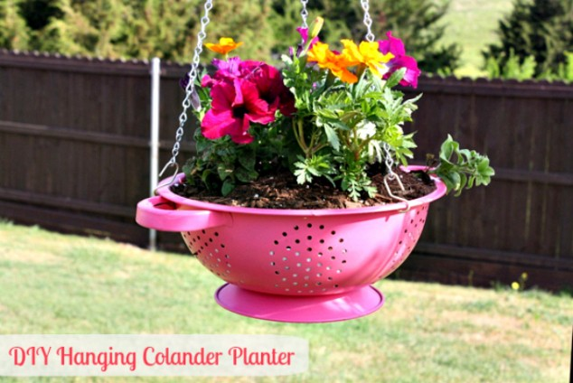 cleaver ideas Old Kitchenware Into Planters (8)