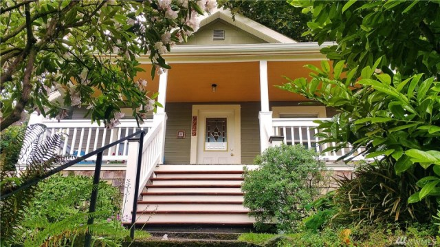 compact-craftsman-bungalow (1)