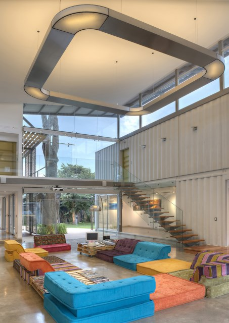container Modern Home Modern materials and shapes (1)