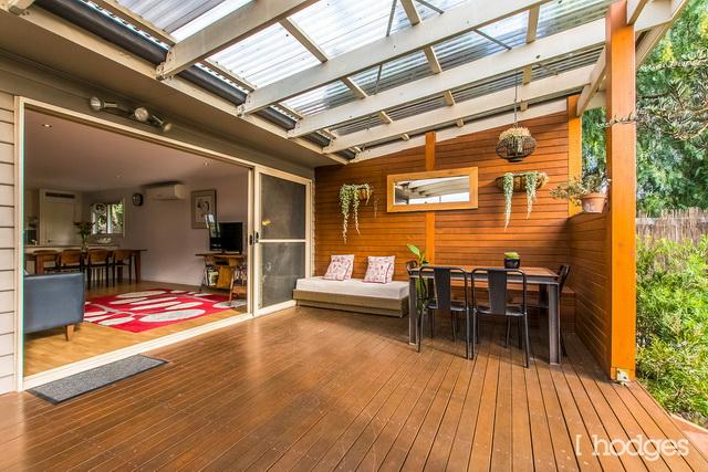 contemporary narrow facade 3 bedroom house (12)