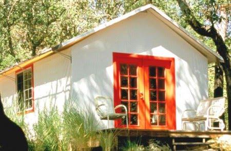 cottage House With veranda Riverside (2)