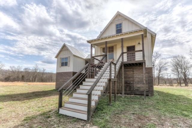 cottage high platform House (19)