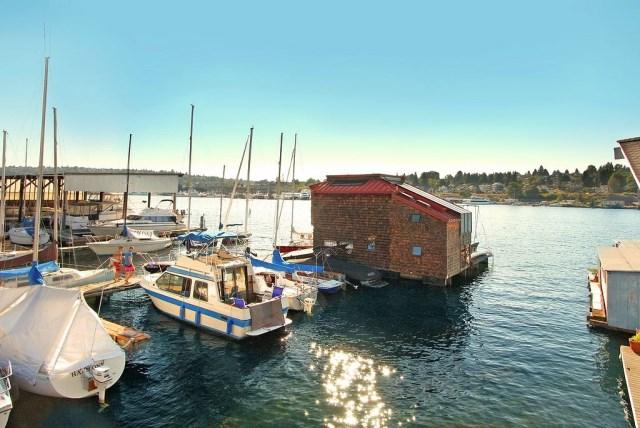 floating-house-cottage-style (6)