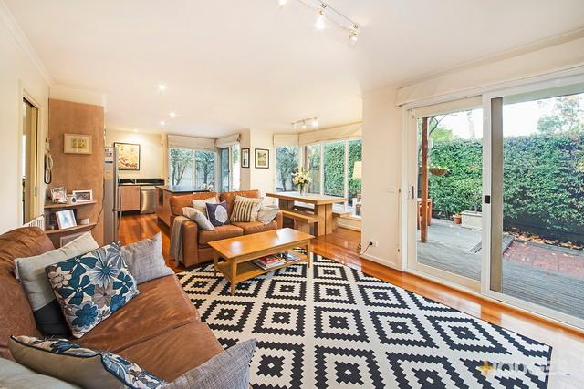 garden house with cozy interior (2)