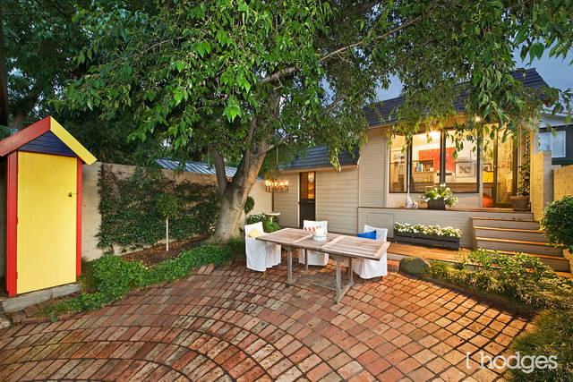 garden wood house with pergola patio (8)
