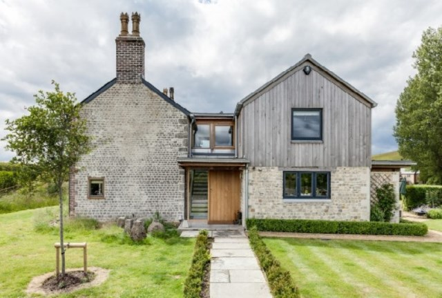 medium Cottage House Designed with stone and wood With large terrace (11)