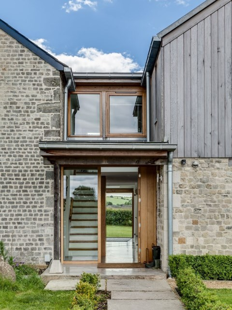 medium Cottage House Designed with stone and wood With large terrace (13)