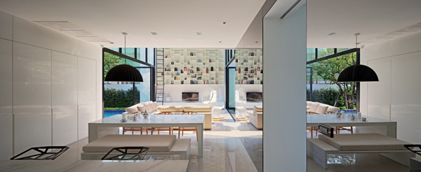 modern-family-house-with-maximize-the-green-space (12)