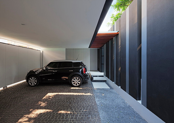 modern-family-house-with-maximize-the-green-space (16)