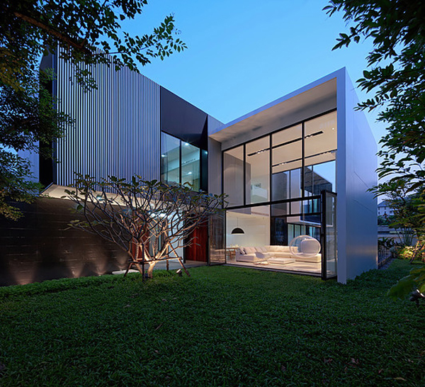 modern-family-house-with-maximize-the-green-space (17)