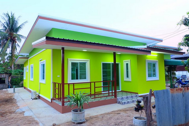 small green modern loft house review (8)