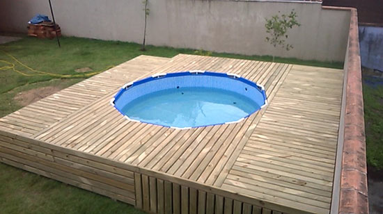 the-man-creating-small-private-pool (1)