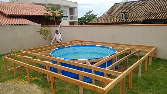 the-man-creating-small-private-pool (4)
