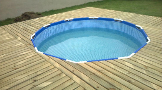 the-man-creating-small-private-pool (6)