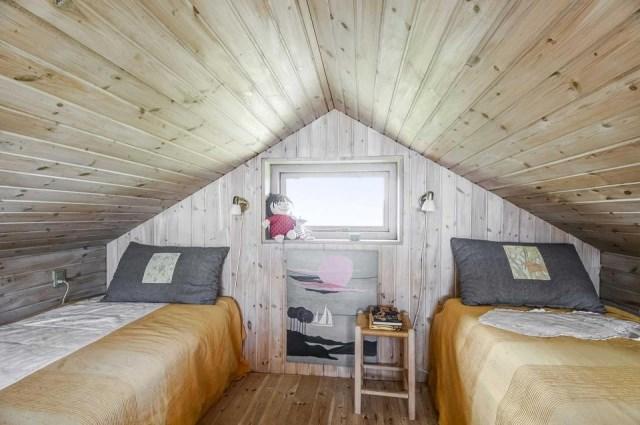 tiny-beachfront-cottage (9)