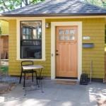 บ้านกระท่อมขนาดเล็ก สวยงามทั้งรูปทรงและวัสดุตกแต่ง เหมาะกับบ้านสวน หรือบ้านพักชั่วคราว