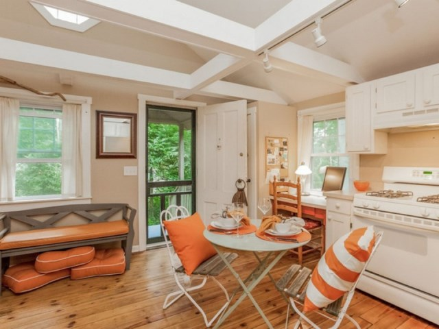 tiny house in cottage style (1)