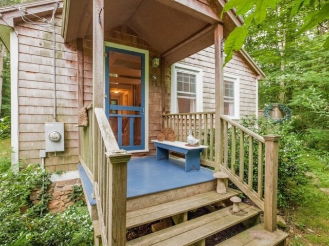 tiny house in cottage style (10)