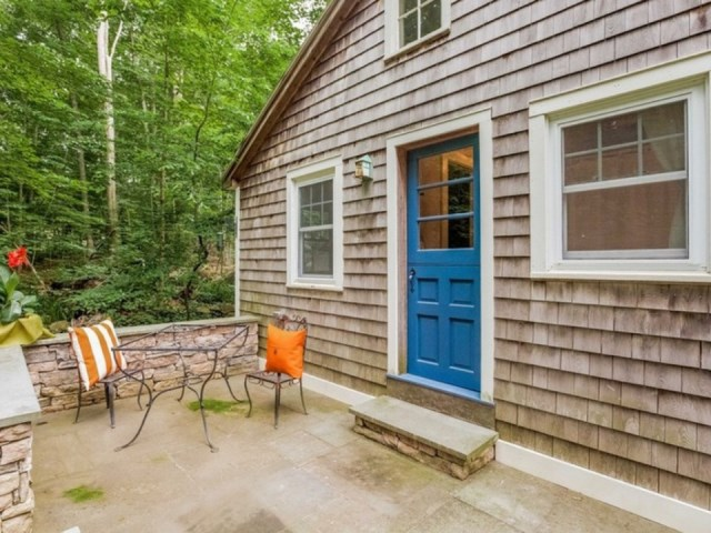 tiny house in cottage style (9)