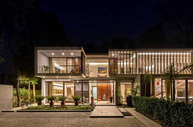 two-story Modern house Box -shaped design (9)