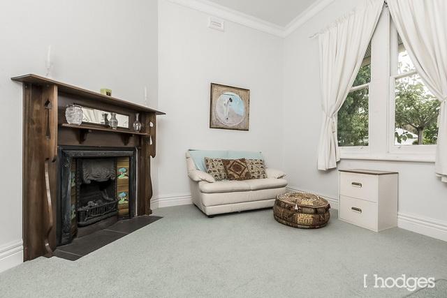 white classic house (10)