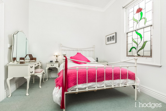 white classic house (12)