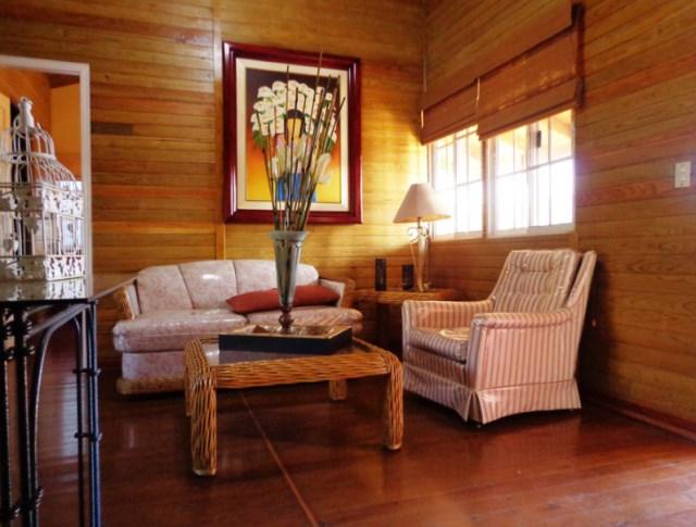 wooden cottages stilts house (2)