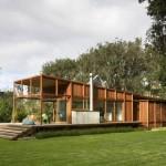 บ้านตากอากาศ ดีไซน์สวย โครงสร้างไม้ ออกแบบให้โปร่ง โล่ง เหมาะกับการประยุกต์เป็นร้านกาแฟ