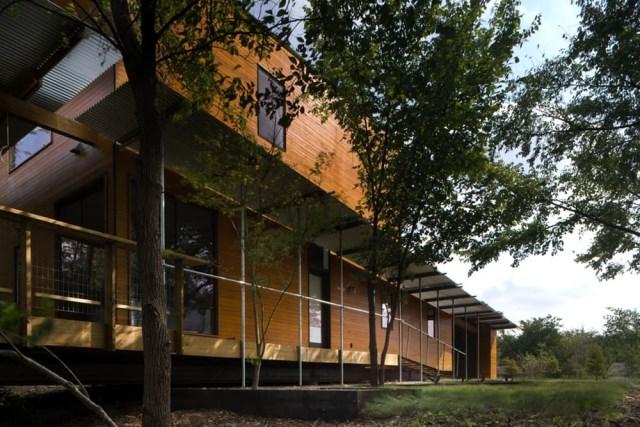 wooden villa Modern style on the hill (1)