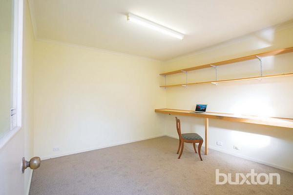 1 floor white classic house wooden interior (10)