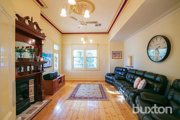1 floor white classic house wooden interior (3)