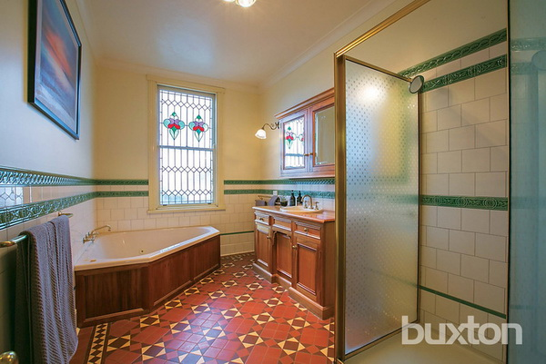 1 floor white classic house wooden interior (9)
