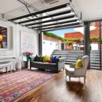 12 ไอเดียห้องนั่งเล่น ออกแบบด้วยเฟอร์นิเจอร์ลอยตัว ย้ายไป-มาง่ายดาย สร้างความโปร่งโล่งแก่ภายในบ้าน