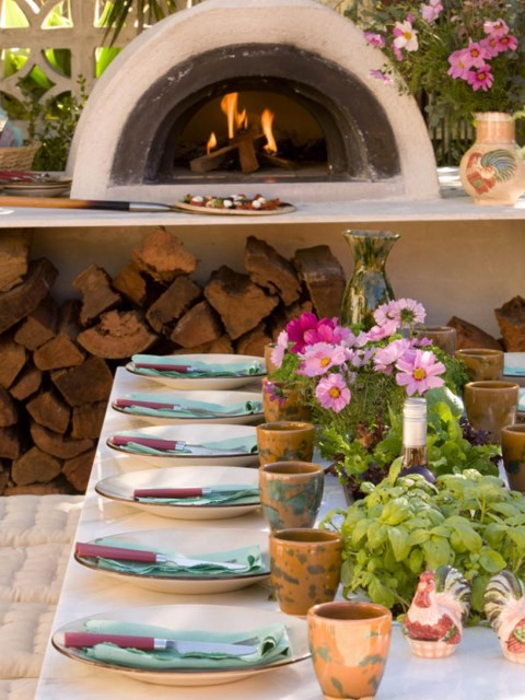 12-sizzling-party-ready-outdoor-kitchens (12)