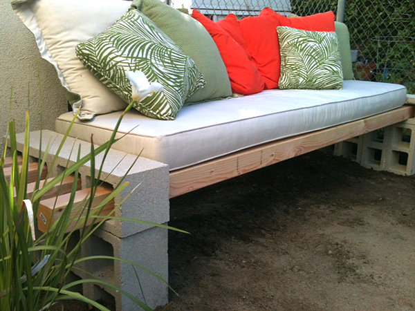 15-diy-benches-for-outdoors (2)